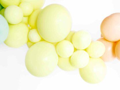 pastel gele ballon